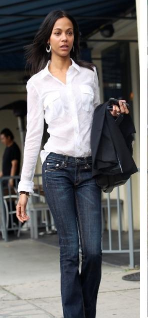 un-must-camisa-blanca-L-ERpmrW